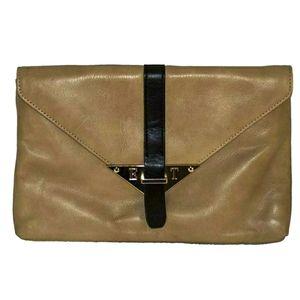 Elaine Turner tan leather clutch